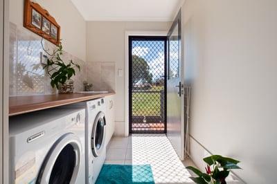 Tablelands - Laundry
